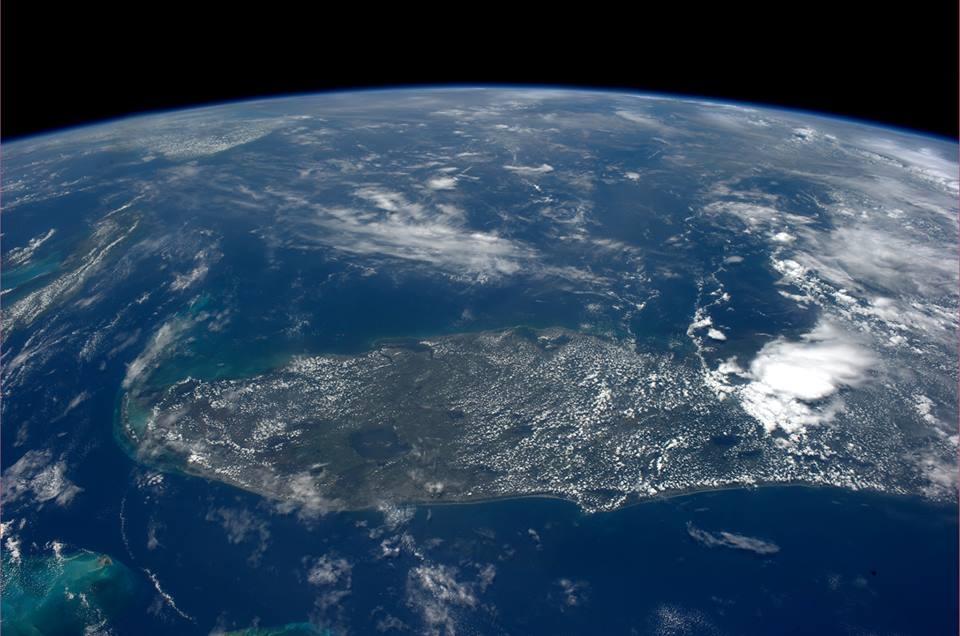 Первое фото земли из космоса