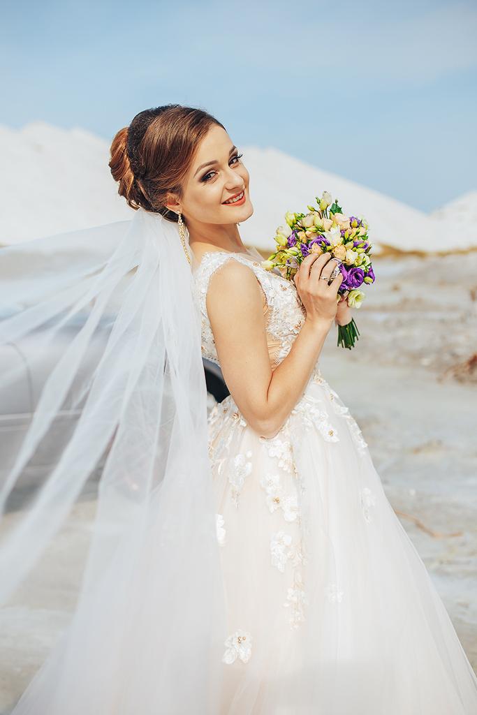одина простой красивые свадебные фото в гомеле бледно-жёлтый оттенок, который