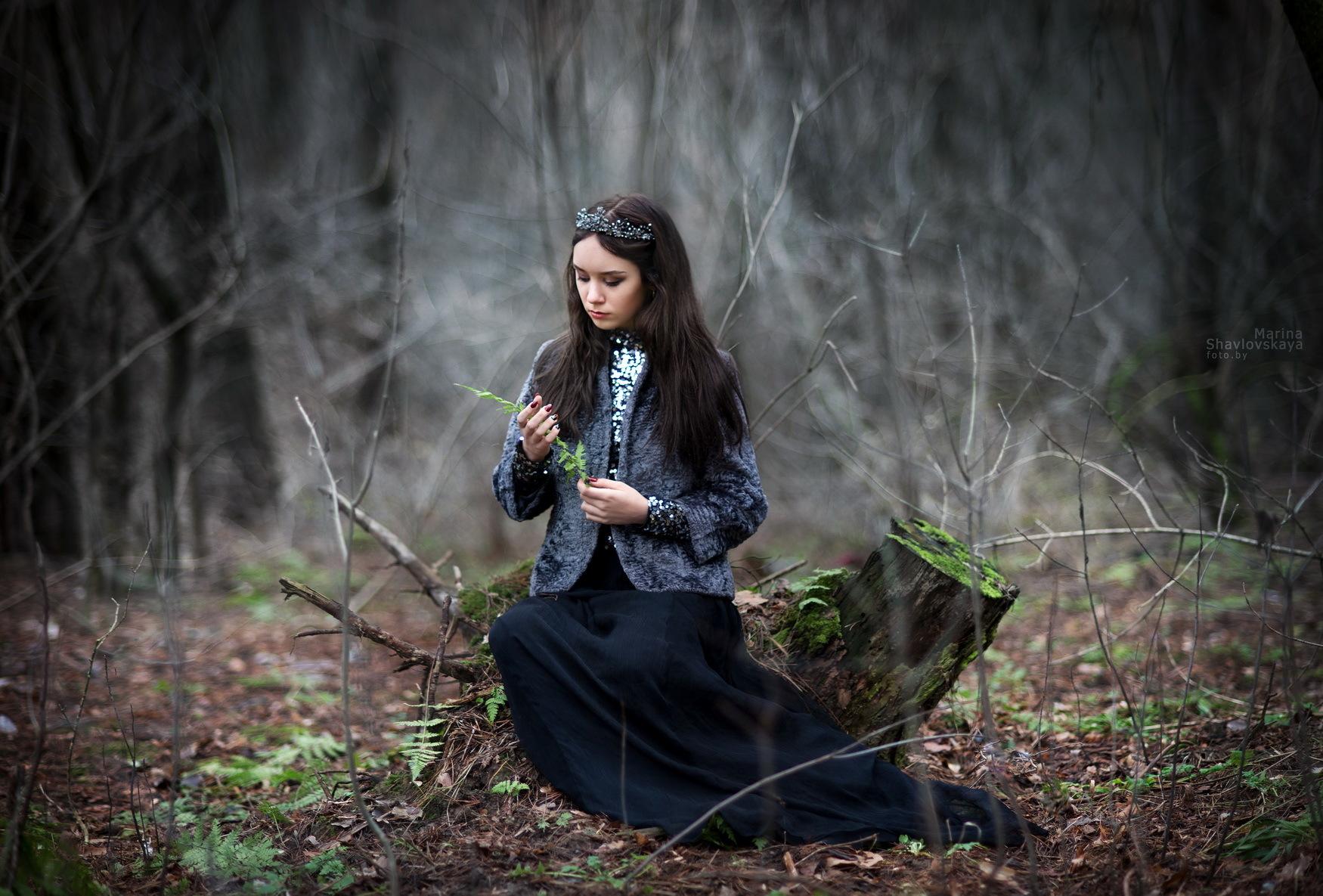 ней фотосессия ведьма в лесу фото сверните цветную бумагу