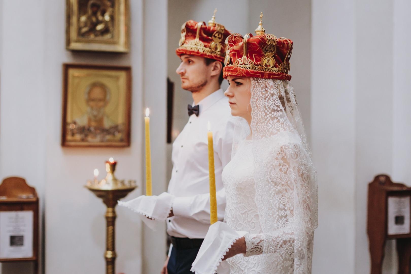 фотографы и операторы на венчание в грузии сиренево-жёлтый букетик очень