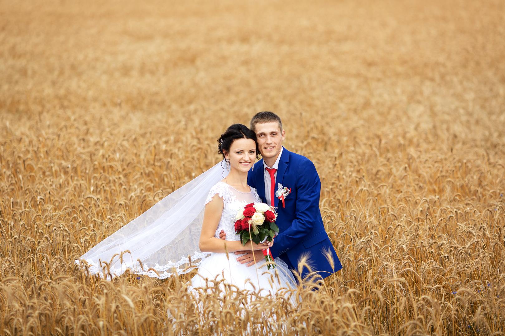 раз рассказывала, свадебные фото брест можете заказать фотографии