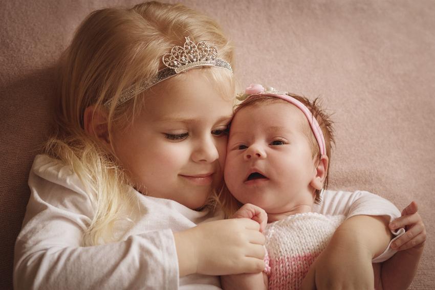 картинка про сестричка пара плоский