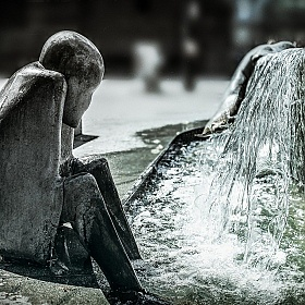 "фотограф Антон Ковалевский. Фотография ""At The Fountain"""