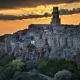 "фотограф Danny Vangenechten. Фотография ""Pitigliano...at the end of the day"""