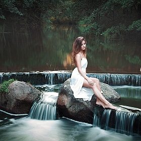 "фотограф Екатерина Сагинадзе-Кокотова. Фотография ""girl at the waterfall..."""